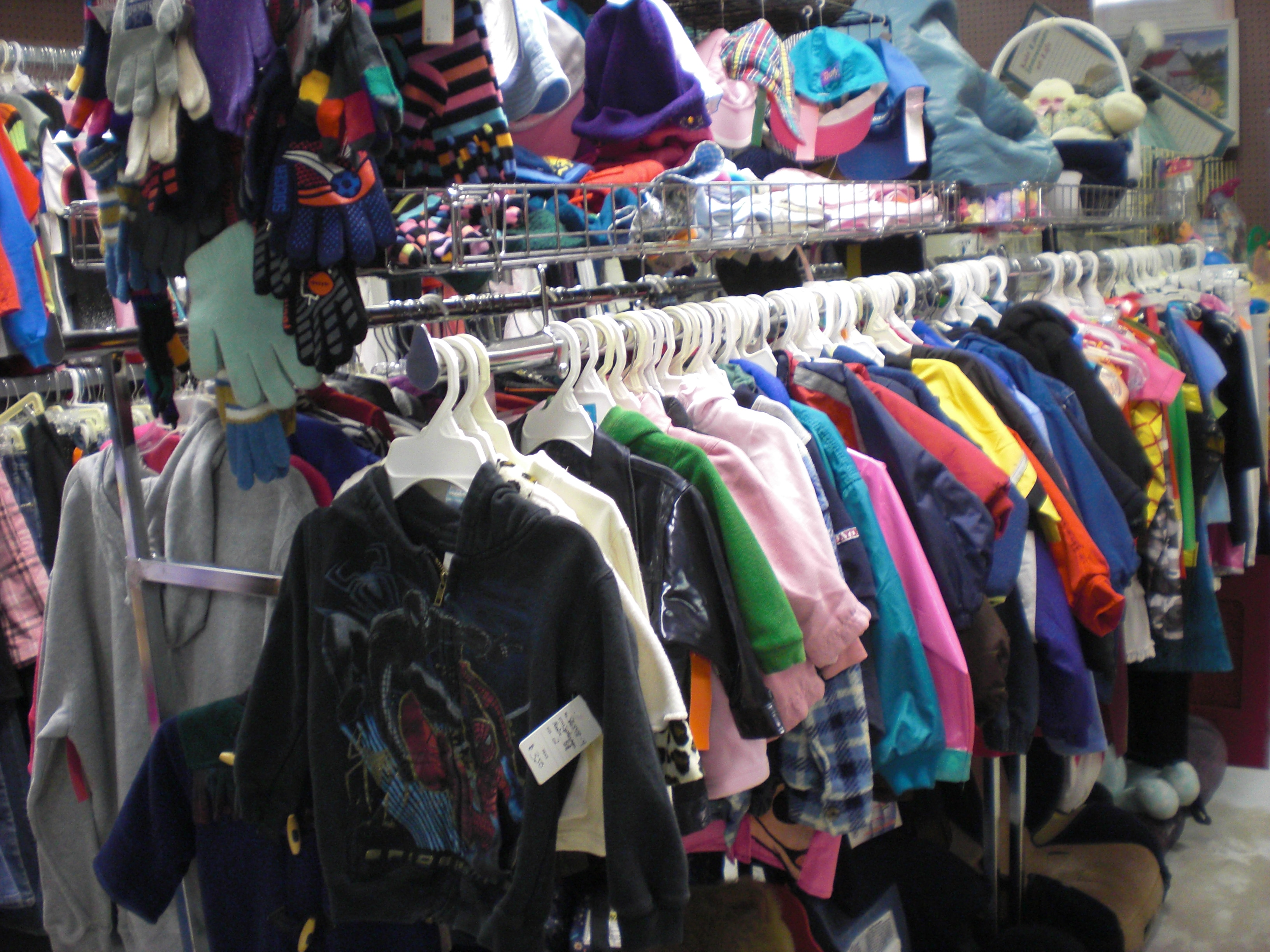 Loads of clothes for boys and girls infant - young teen