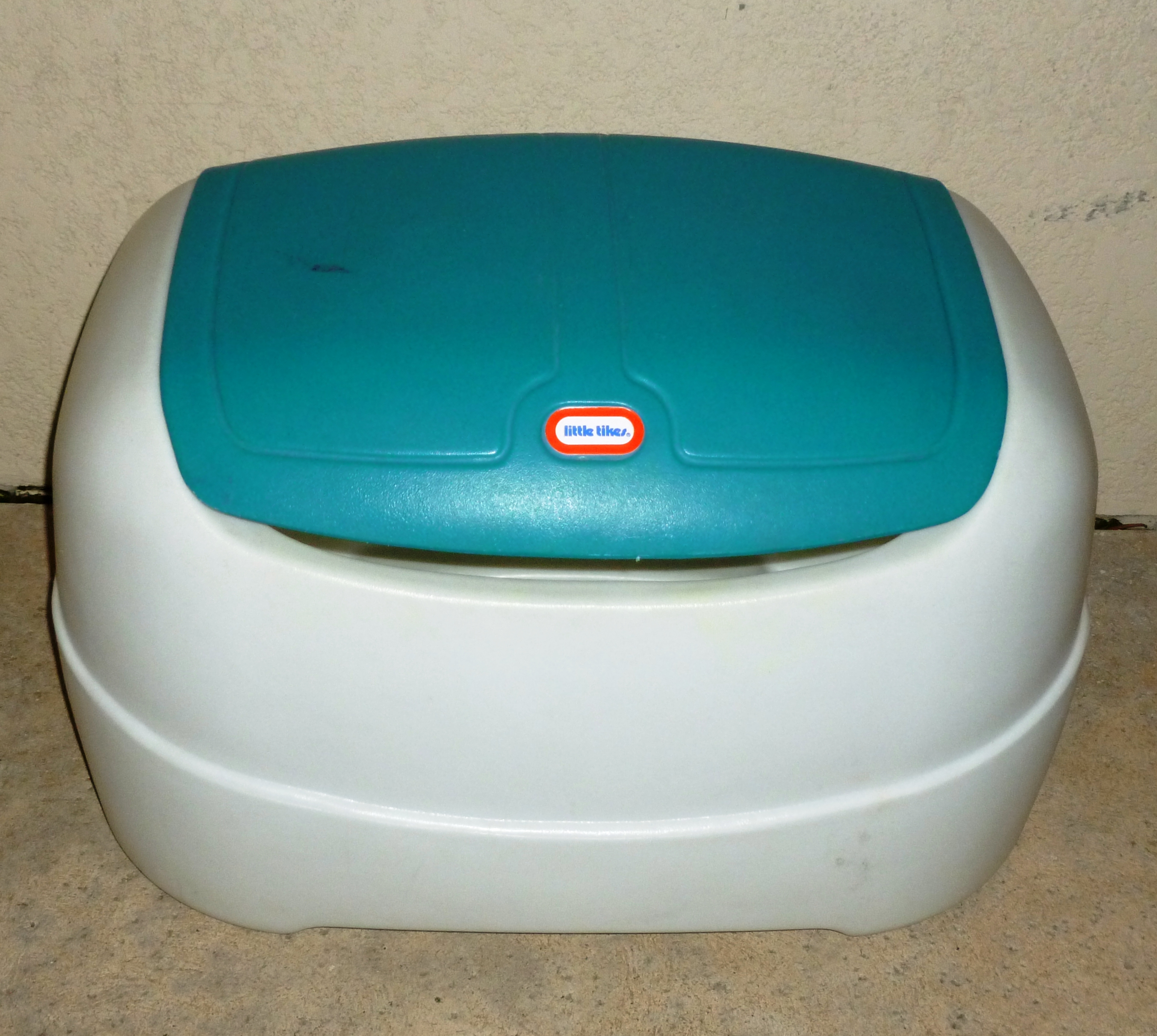 Rounded plastic Little Tykes toy box