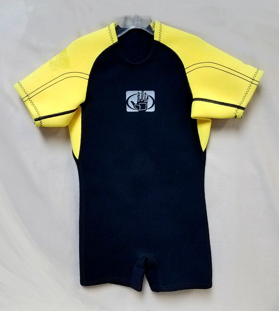 http://azkidznmore.com/wp-content/uploads/2017/06/BodyGlove_wetsuit_8.jpg