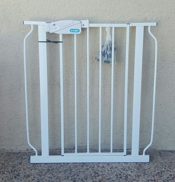 Expandable safety baby gate
